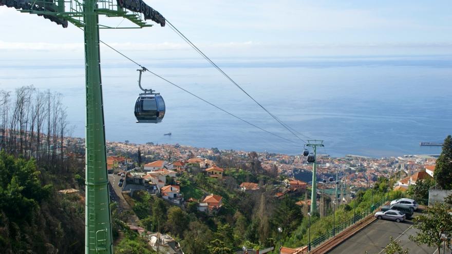 Un teleférico comunica la zona portuaria con la zona alta de Funchal
