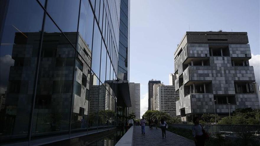 Petrobras mantiene sus beneficios pese a corrupción y escenario negativo