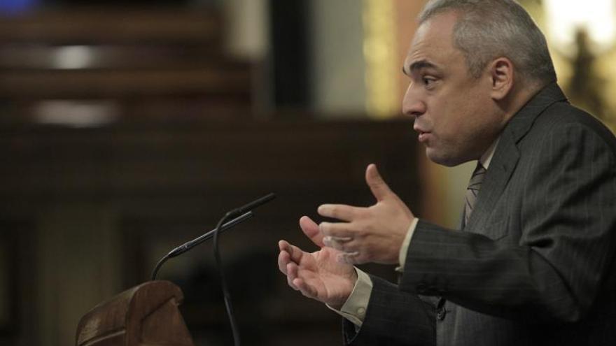 Simancas insta a los díscolos del PSC a marcharse a CiU si son nacionalistas