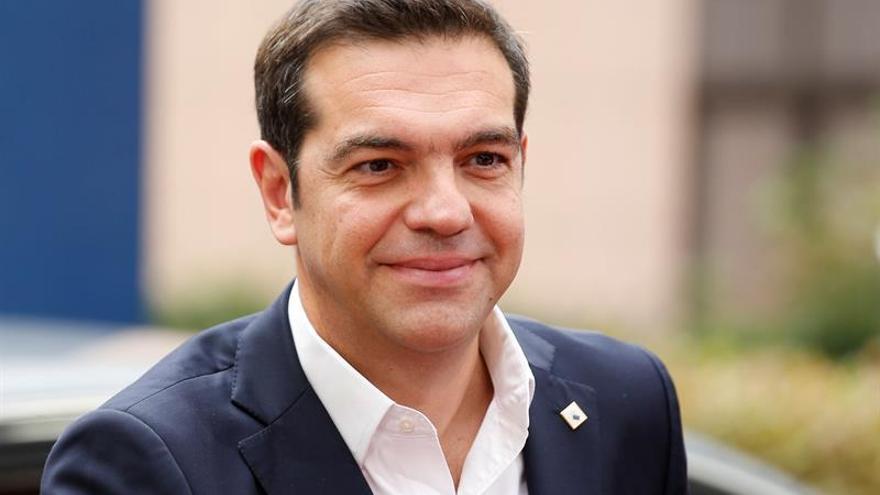 Tsipras repartirá entre la población 1.400 millones euros del excedente fiscal