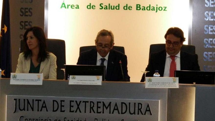 La consejera de Educación y Empleo, Esther Gutiérrez, y el consejero de Sanidad y Políticas Sociales, José María Vergeles