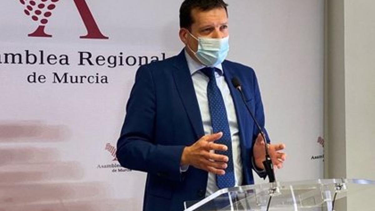 El diputado del PSRM-PSOE, Manolo Sevilla
