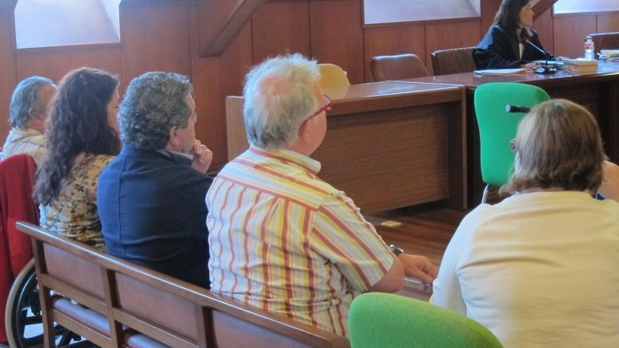 Inhabilitados por el caso Trapur los exconcejales 'KyK' y Dopico, condenada también a seis meses por cohecho