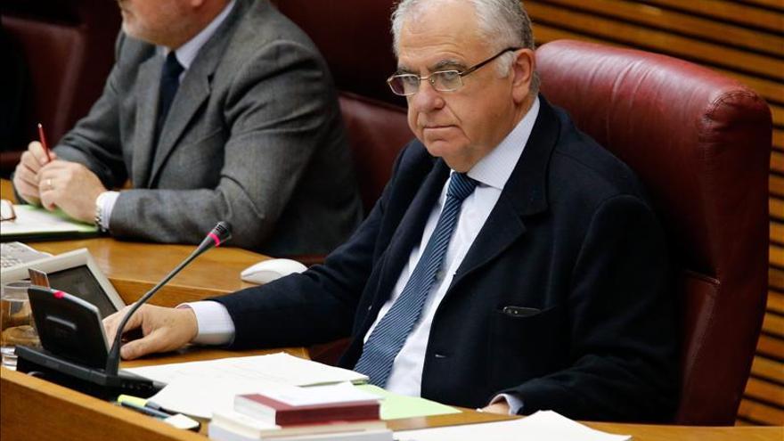 El presidente de Les Corts renuncia a la dedicación exclusiva para cultivar