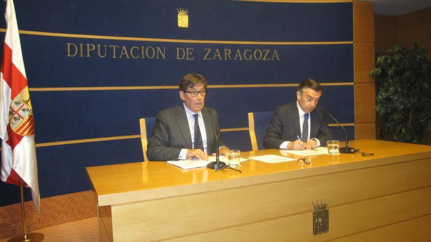 A la derecha el expresidente de la DPZ, Luis María Beamonte.