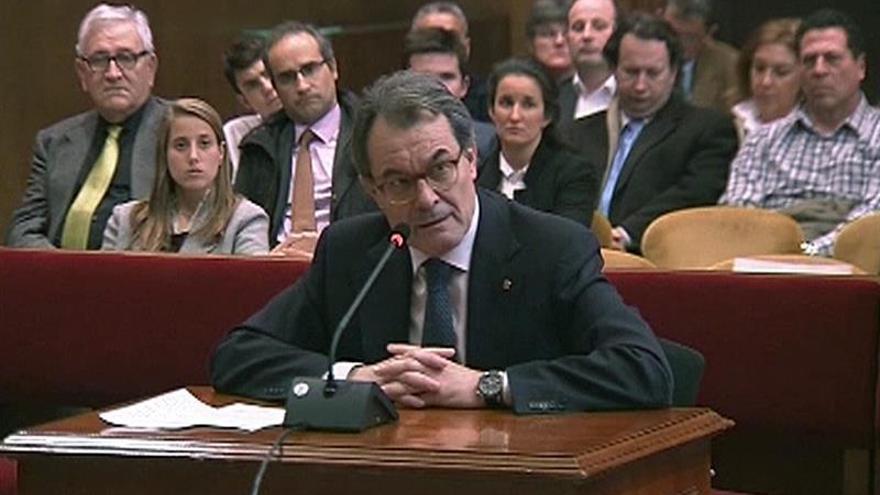 El TSJC condena a Mas a dos años de inhabilitación por la consulta del 9N