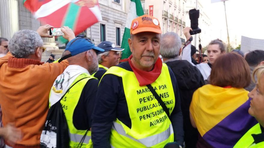 José Miguel es uno de los pensionistas que ha llegado a Madrid desde Bilbao para defender el sistema público de pensiones.