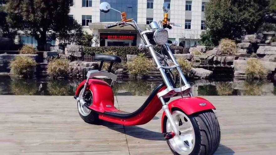 Un patín eléctrico del modelo Harley Deluxe