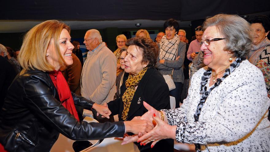 Cospedal saludando en su acto en Tarancón / Foto: PP CLM
