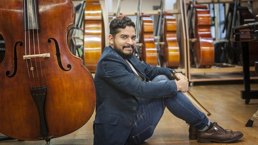 Gabriel José León Rosas. Cuando Mozart te da lo papeles