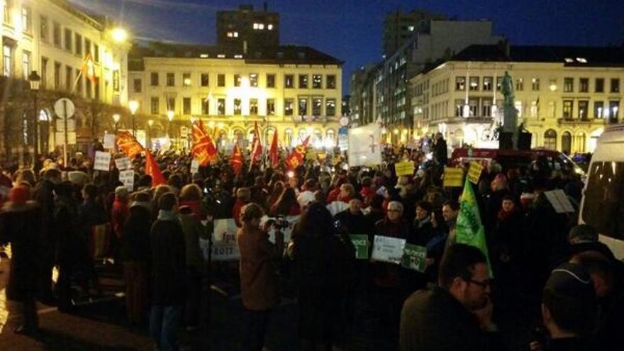 Manifestación contra la ley del aborto en la embajada española en Bruselas. \ @15MBruselas