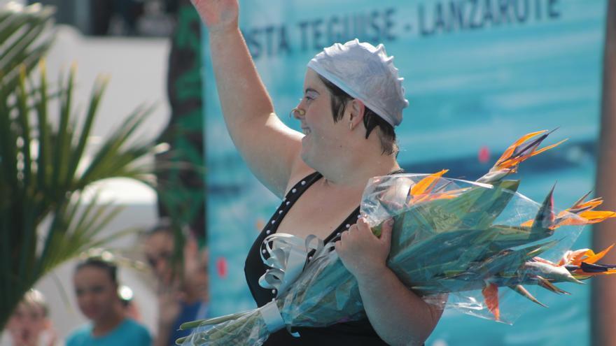 Camino Álvarez, única mujer con síndrome de down federada en España en natación artística.