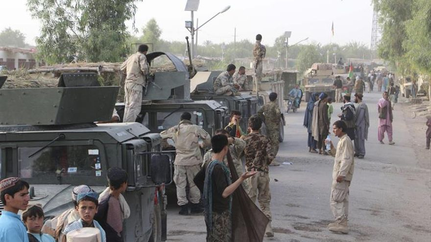 Los talibanes toman el control de otro distrito en el norte de Afganistán