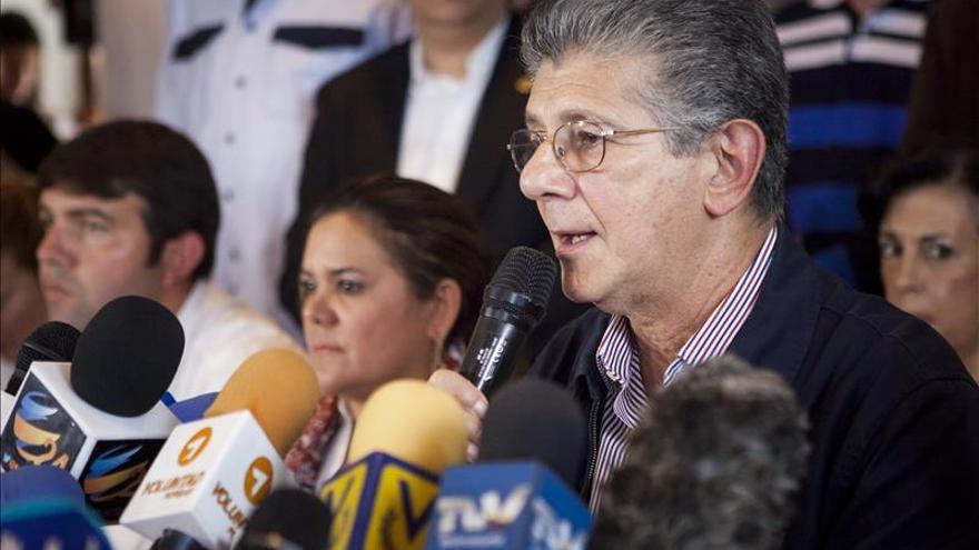 El líder socialdemócrata venezolano ve difícil que Maduro llegue a completar su mandato