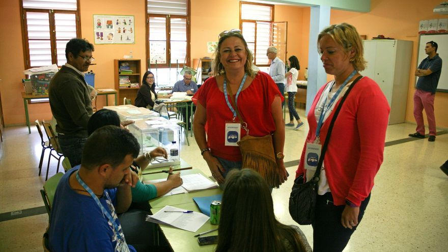 La candidata del PP en Telde María del Carmen Castellano en la jornada electoral