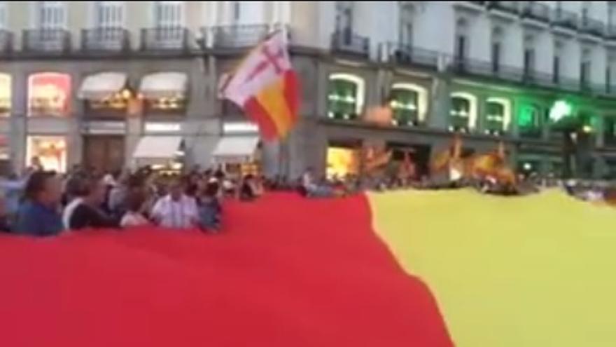 Falange Española celebra una concentración en la Puerta del Sol contra la independencia de Cataluña