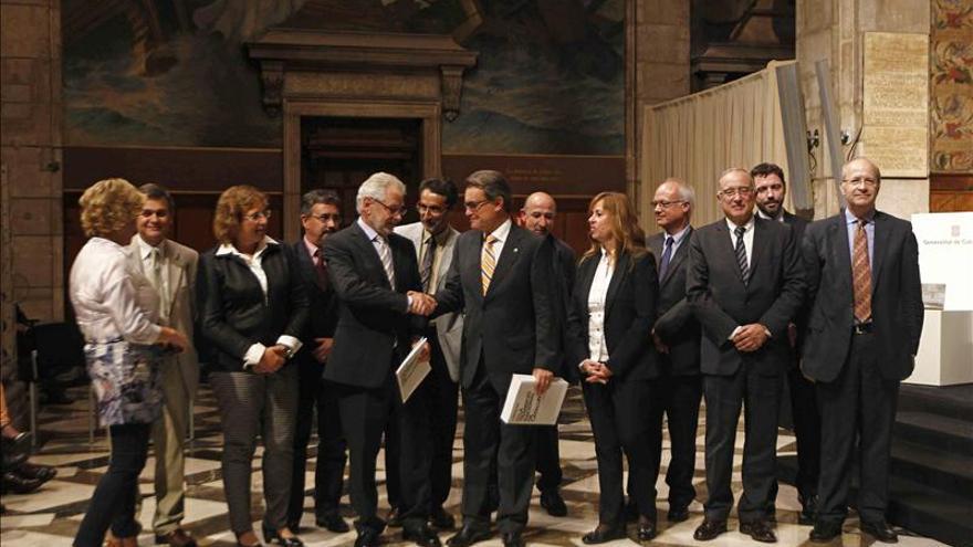 """Mas tilda de """"hostil"""" al Gobierno y critica la urgencia """"supersónica"""" del TC"""