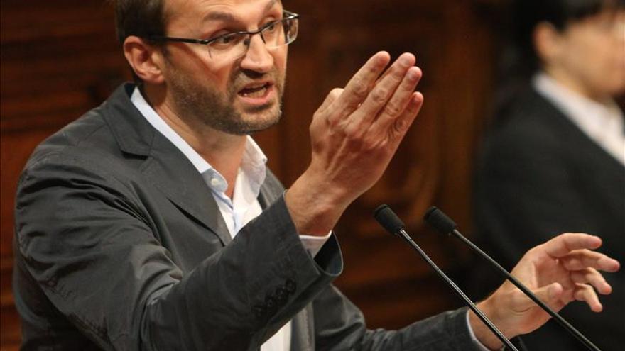 Herrera reclama a ERC que no mire hacia otro lado ante los recortes sociales