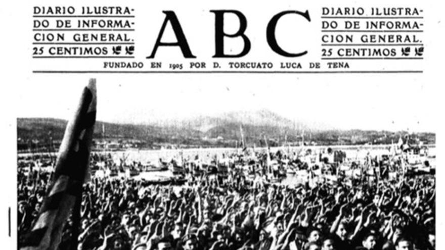 Rodríguez Bautista, durante una visita de Franco a Ribeira en 1944, en una imagen de ABC