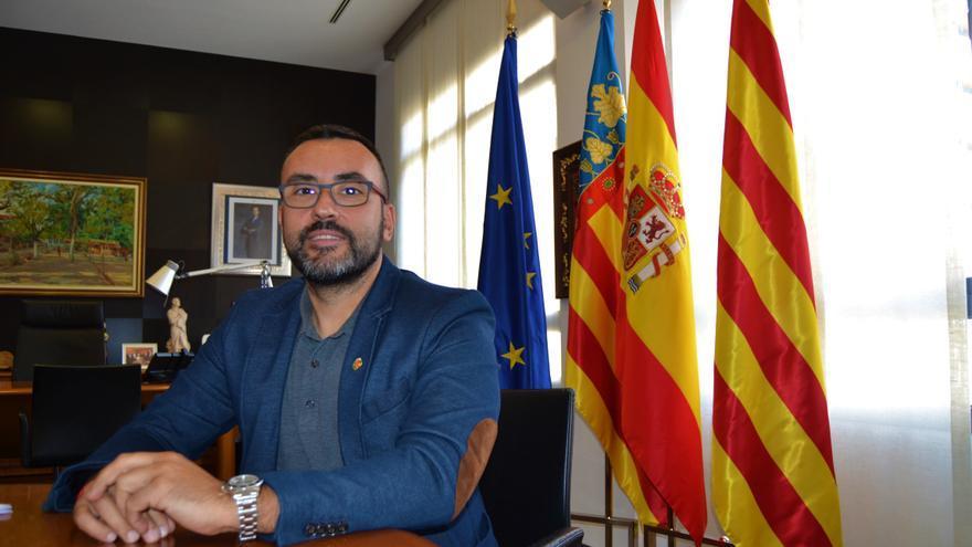 El alcalde de Vila-real, José Benlloch, en su despacho.