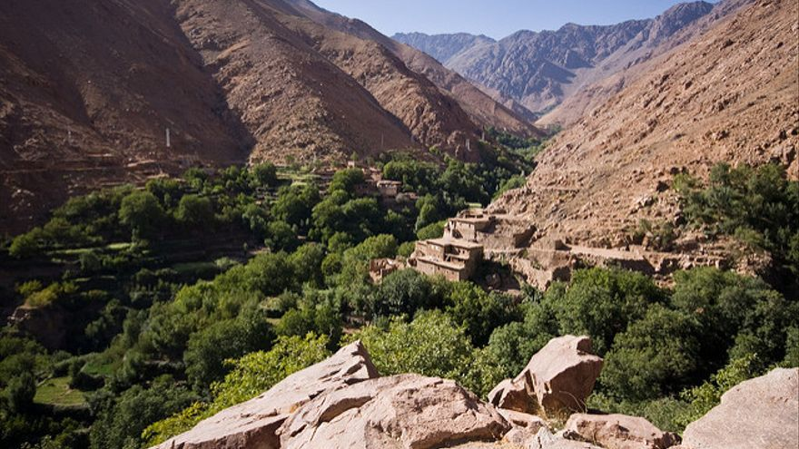 Huertos, frutales y casitas bereberes en Imlil. Johannes Amesdorfer