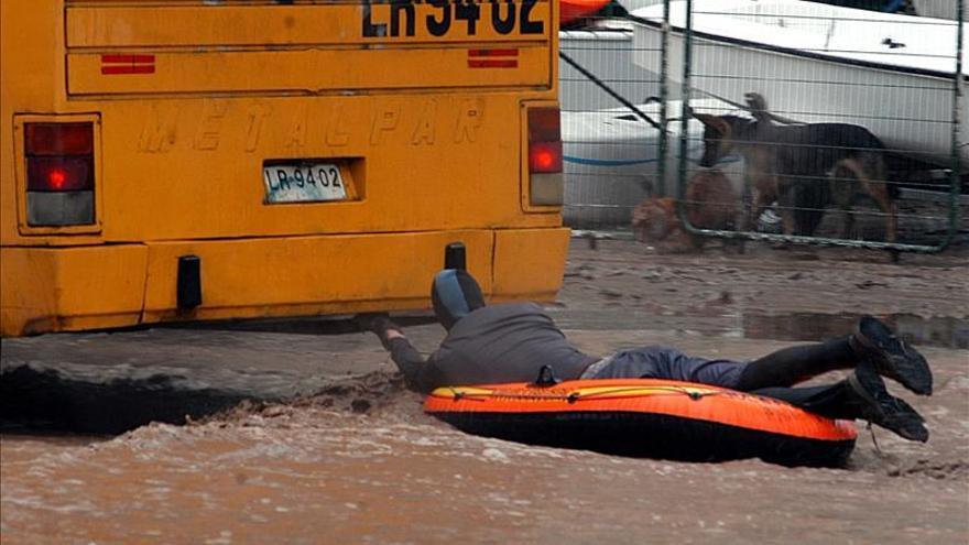 Más de un millón de personas sin agua tras un aluvión en Santiago de Chile