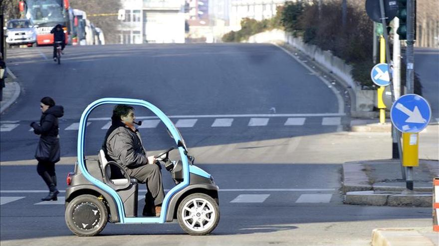 Milán prohíbe el tráfico rodado hasta el miércoles para frenar la polución