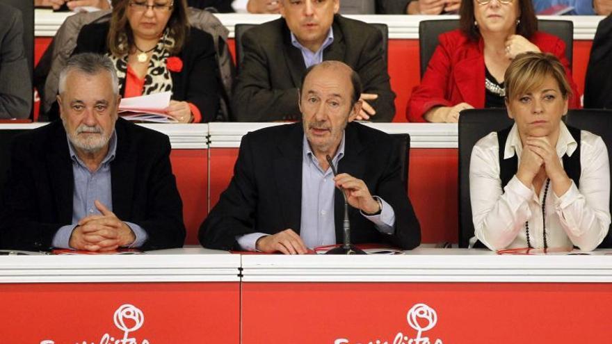 El PSOE aprueba con dos abstenciones el calendario y reglamento de primarias