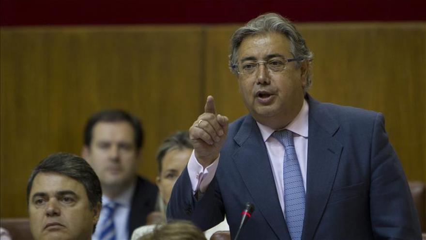 """Zoido asegura que Rajoy """"jamás se regirá por criterios de partido"""" en el déficit"""