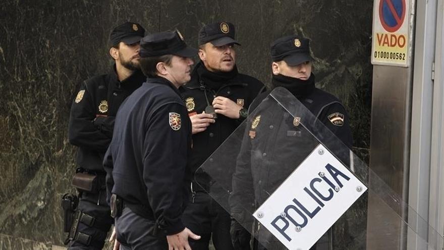 La Dirección de la Policía accede a modificar la instrucción sobre los permisos de Navidad ante las numerosas quejas
