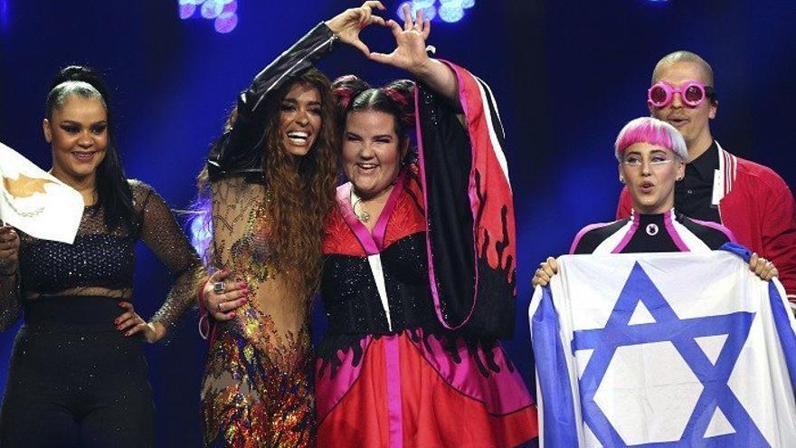 Netta (Israel) y Eleni Foureira (Chipre), en Eurovisión 2018