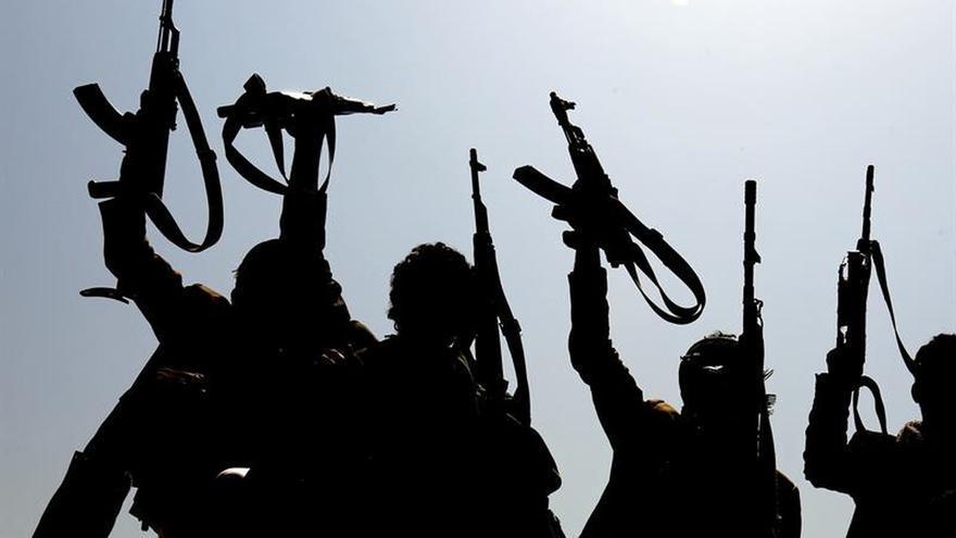 Milicianos huzíes en Saná, Yemen.