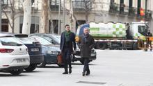 Francisco Granados, acompañado de su abogado, a la entrada de la Audiencia Nacional.