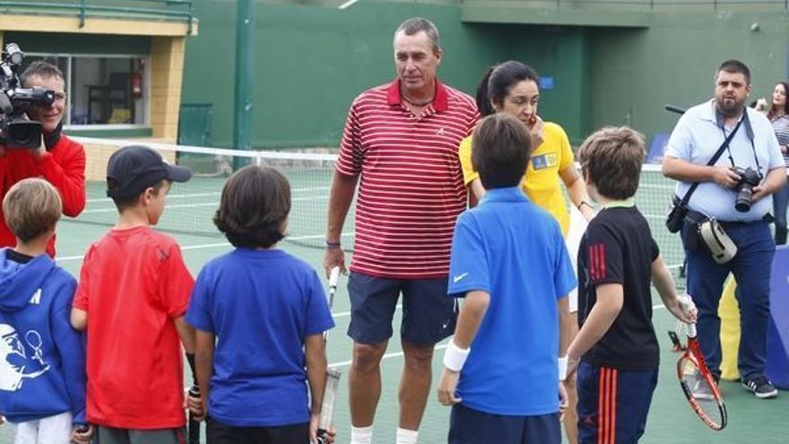 Noelia Pérez junto a Ivan Lendl en el Real Club de Tenis de Gran Canaria