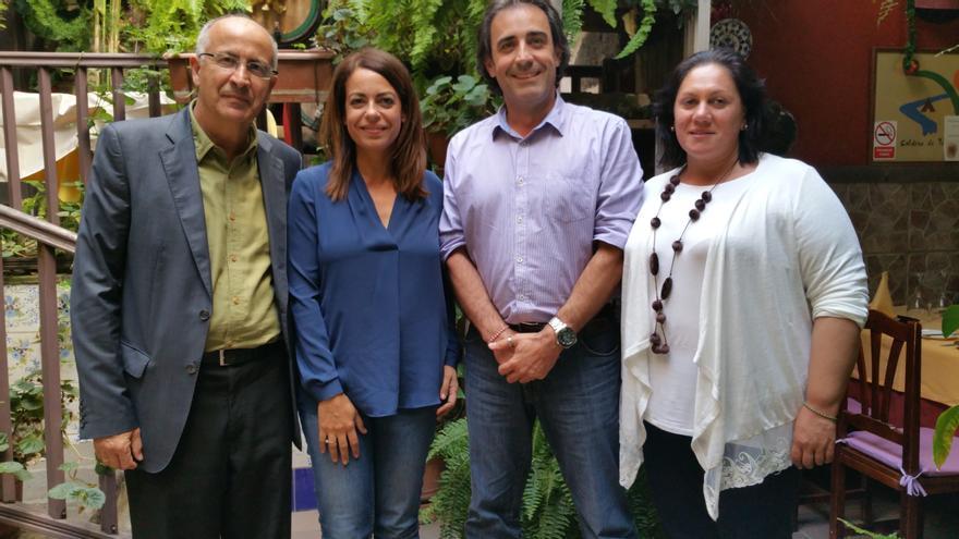Hernández Spínola (i), Tamara Raya, Francisco Paz y Loly Padilla, este miércoles. Foto: LUZ RODRÍGUEZ