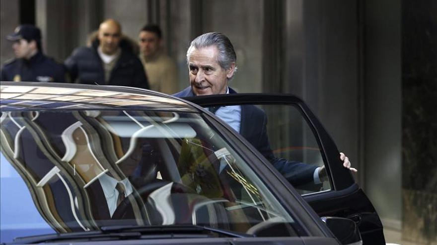 El expresidente de Caja Madrid Miguel Blesa a su salida de la Audiencia Nacional.