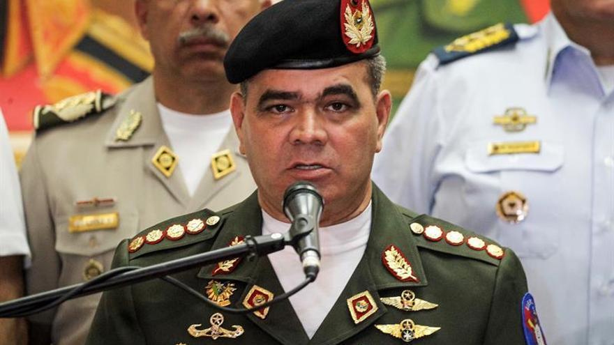 Autoridades vinculan a militares insurrectos con opositores a Maduro