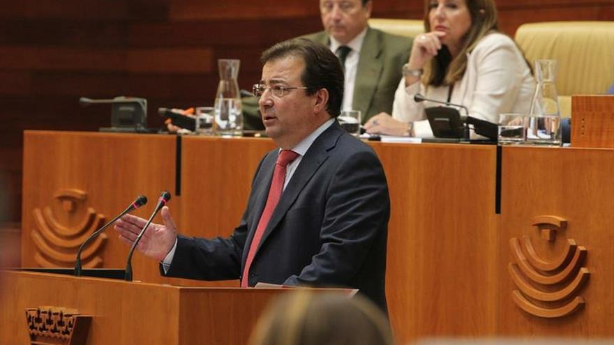 Vara inicia su tercera legislatura con el único apoyo de su mayoría absoluta