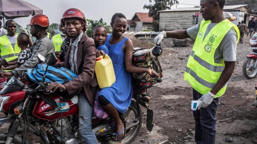 Ruanda cierra sus fronteras terrestres con RD Congo por la epidemia de ébola