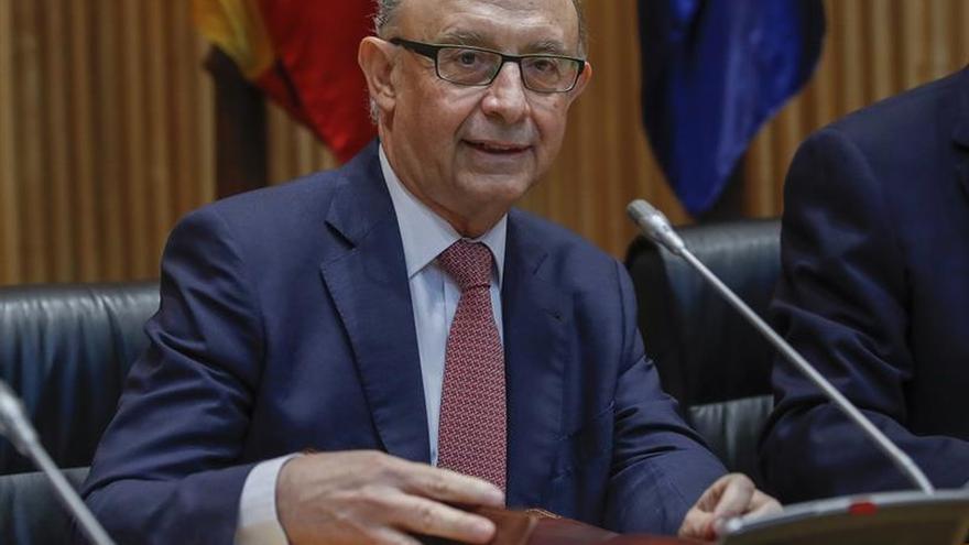 Montoro asegura que los servicios públicos en Cataluña no están en peligro