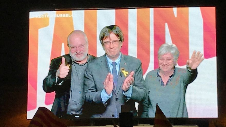 "Puigdemont apela a un ""voto de país"" porque está en juego Catalunya"