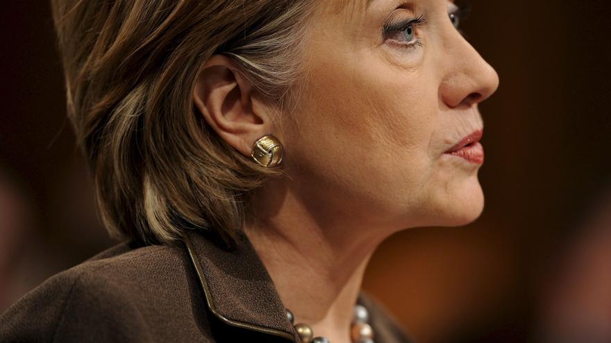 Clinton pide que se frene y condene la violencia contra las embajadas de EE.UU.