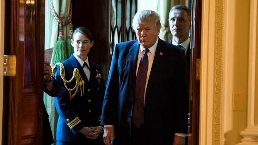 """Trump llama a Asad """"carnicero"""" y defiende el ataque de EE.UU. a la base aérea"""