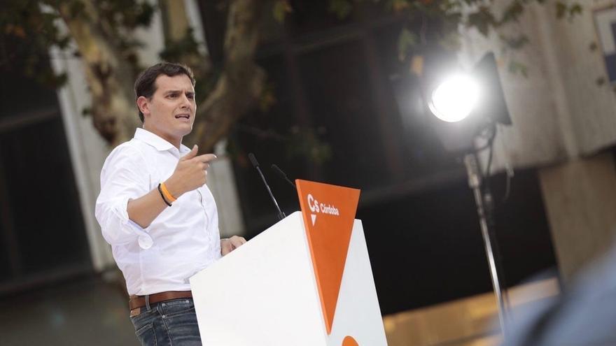 Rivera exige a Puigdemont que rectifique por mezclar el fin de ETA con el referéndum