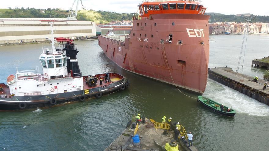 La Naval acuerda con el armador Van Oord trasladar la draga 'Vox Amalia' al astillero Astander, en Santander