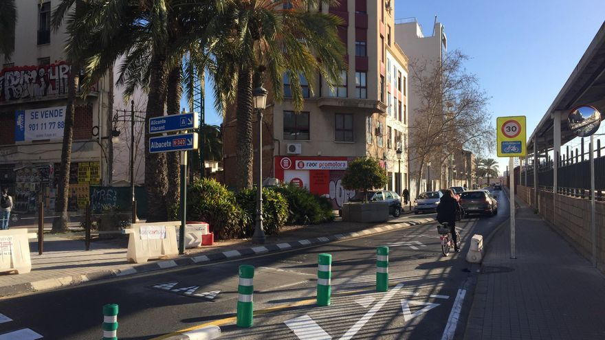 La calle Gibraltar convertida en una ciclocalle por la que los ciclistas tendrán prioridad