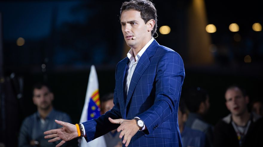 """Rivera controlará que el Gobierno no """"destroce"""" la economía y promete una oposición """"con sentido de Estado"""""""