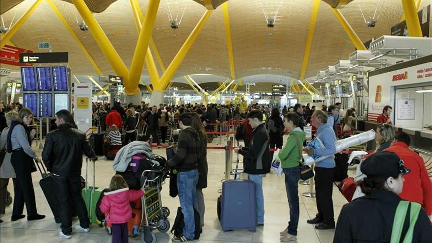 Los aeropuertos registran 180 millones de pasajeros hasta octubre, el 5,4 % más