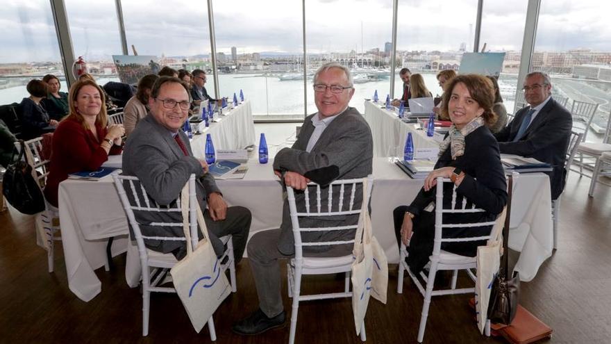 Un momento de la reunión del consejo rector de la Marina de Valencia