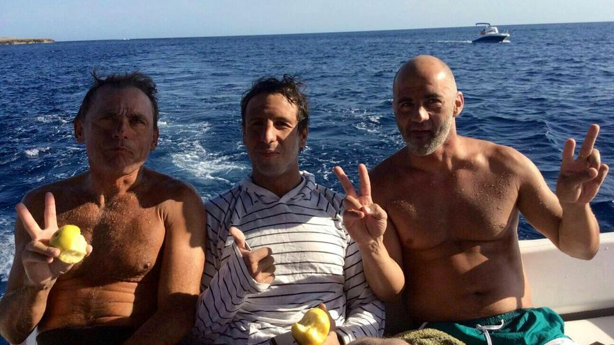 Jacobo Parages, Félix Campano y Peio Ormazábal completaron el reto del canal de Menorca.